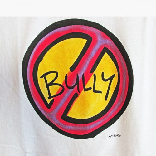 Bully Design Close Up